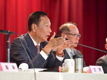 郭董說到做到 鴻海12月營收創單月次高 全年首破5兆元大關