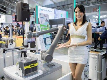 廣達機器人搶進日本 達明機器人參展日本新興機器人展RoboDEX