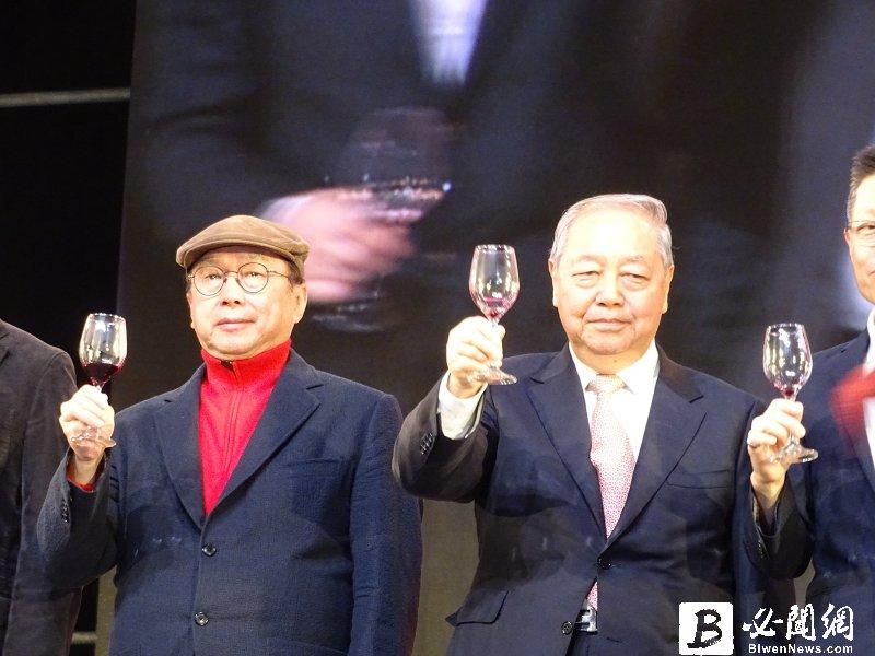 廣達梁次震(右):今年是新產品元年 但是挑戰很劇烈 希望川普能改變主意。(資料照)