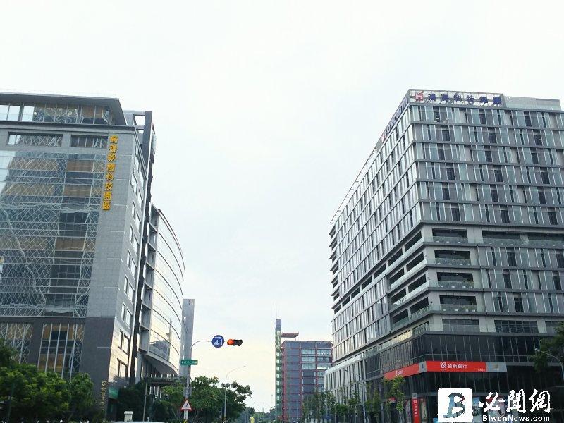 永慶房屋:高雄選後住宅、工業用地、商業用地明顯回溫。圖為鴻海高軟園區。(資料照)