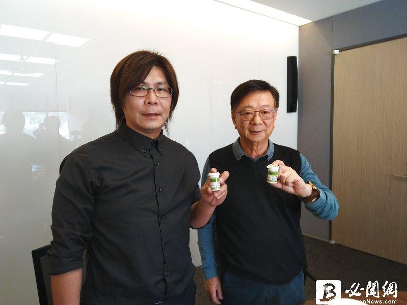 聯電榮譽副董事長宣明智(右)與宣澤總經理賴義澤。(資料照)