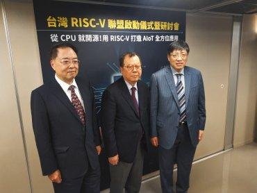 鴻海買NOKIA 黃崇仁不解:為何買2G的公司