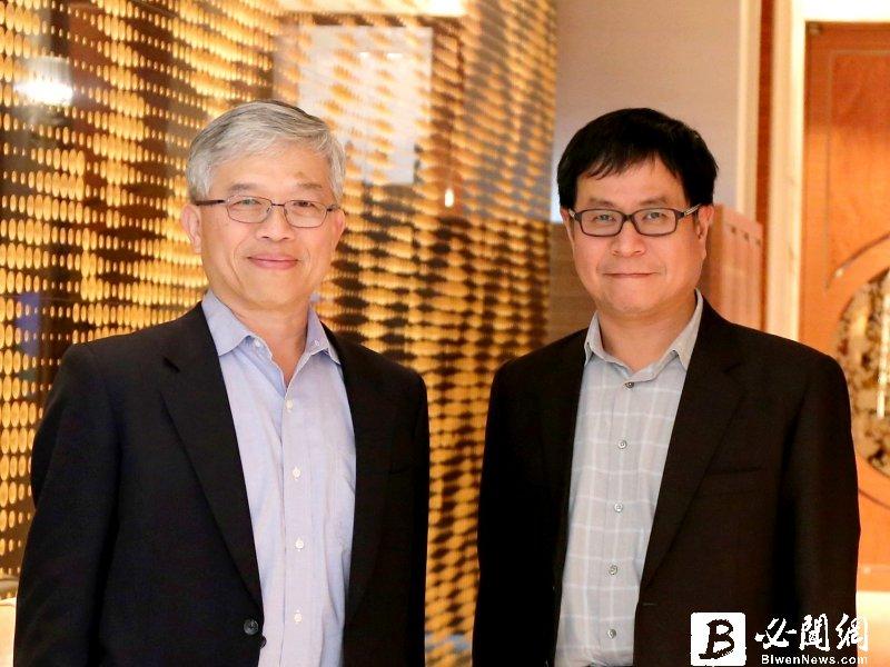 貿聯-KY董事長梁華哲(左)與總經理鄧劍華。(資料照)