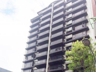 信義區頂級商辦國泰置地廣場租金飆到4200元 新豪宅指標「琢白」每坪站穩200萬元