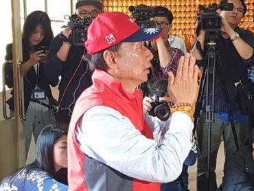 郭台銘呼籲 初選制度上開大門、走大路