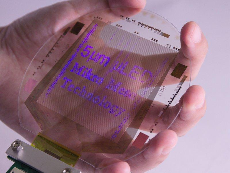 採用Mikro Mesa巨量轉移技術製作的5um 晶粒顯示器樣品。(廠商提供)