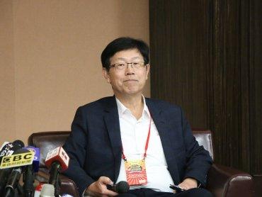 鴻海劉揚偉:跟飛雅特的合作年中之前會簽約 但鴻海仍不會組裝整車