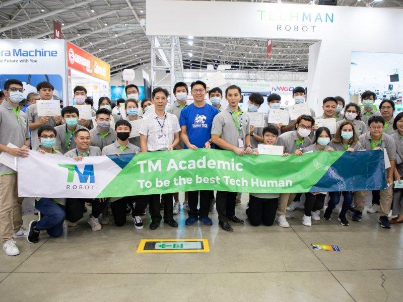 智慧機械產學接軌計畫 達明機器人與台科大打造學生就業即戰力。(廠商提供)