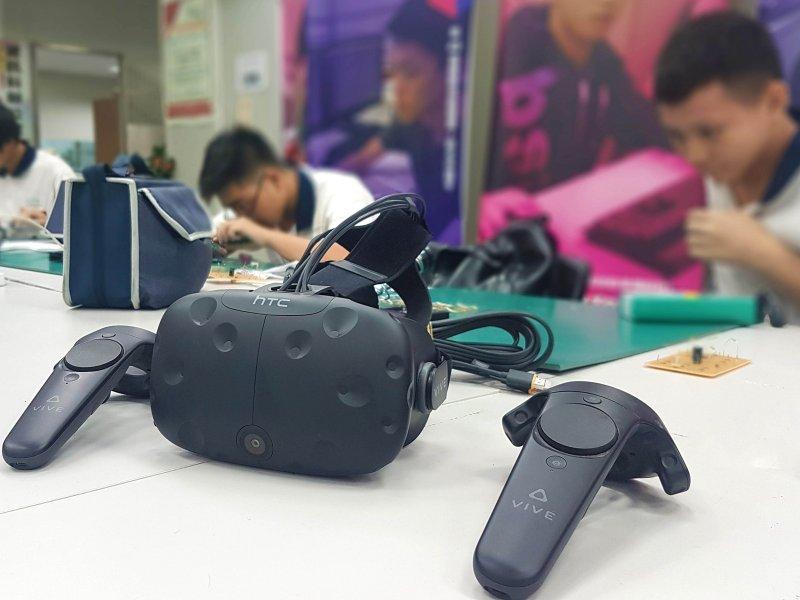 HTC加入新北創新教育加速器計畫 與新北高工合作致力培育台灣XR遊戲人才  。(廠商提供)