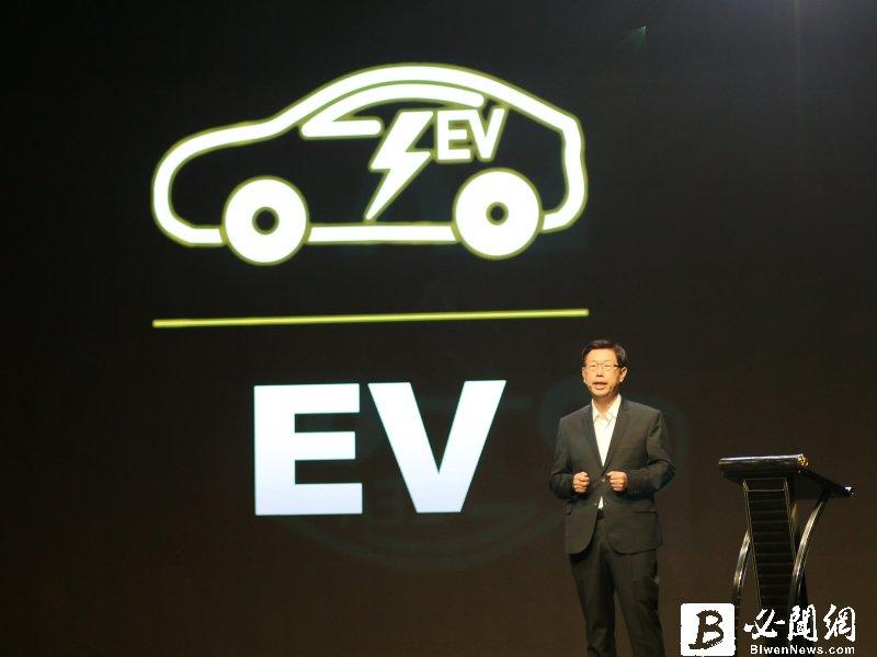 鴻海備妥電動車關鍵零組件 董座劉揚偉:目標2025-2027年搶下10%市佔率。(資料照)