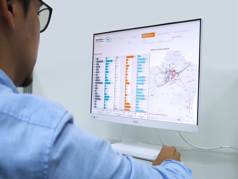 台灣大哥大「車隊大管家3.0」嶄新上市 AI加持 車隊管理服務大躍進。(廠商提供)