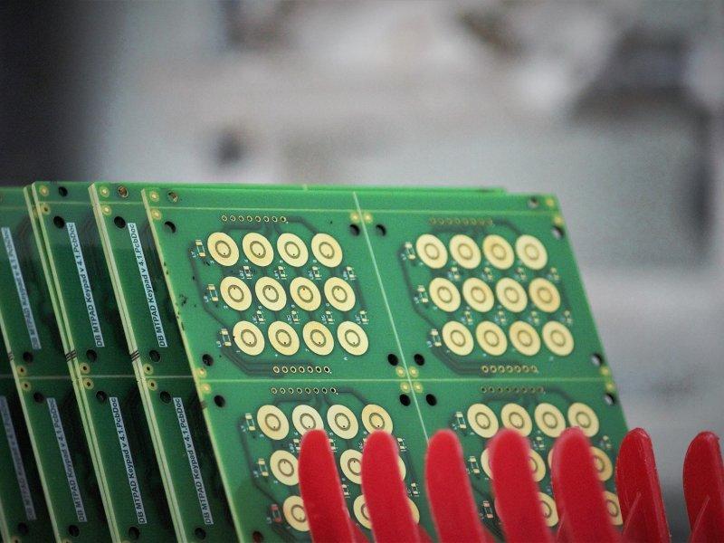 載板與HDI帶動台灣PCB持續向上 2020 Q3台商兩岸PCB總產值達1859億新台幣。(圖:Pixabay)
