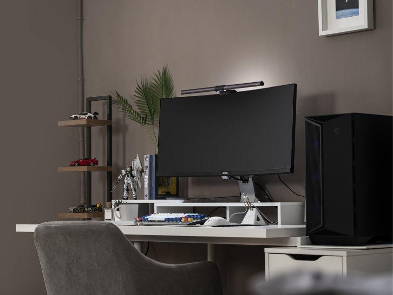 BenQ螢幕智能掛燈ScreenBar Halo新品上市 前後補光、自動調光、護眼不疲勞。(廠商提供)