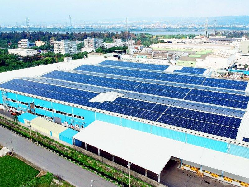 友達攜手台達打造太陽能電廠優質全新創能與儲能整合解決方案。(友達提供)