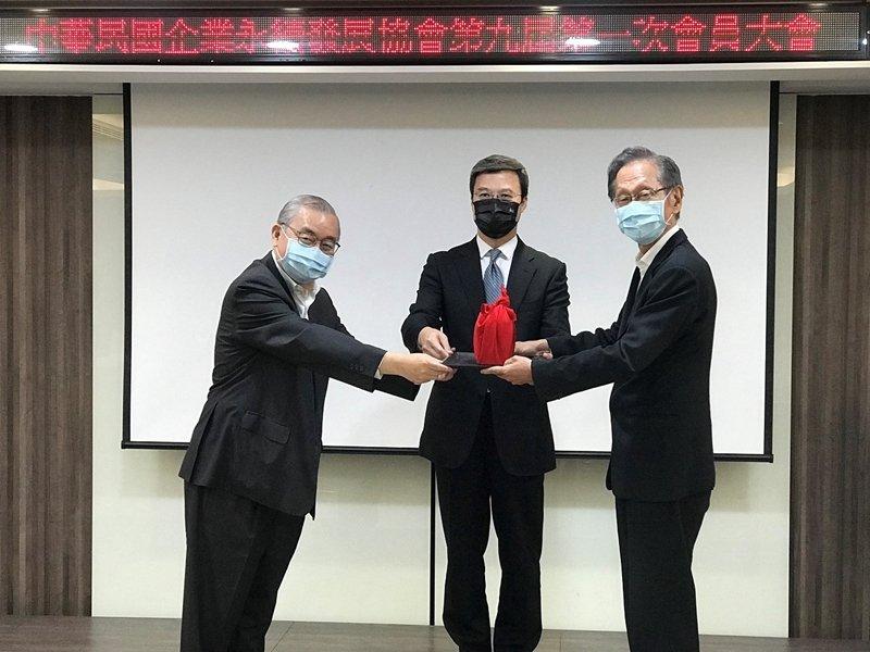 施崇棠接任中華民國企業永續發展協會第九屆理事長 將加速台灣企業接軌國際永續脈動。(廠商提供)