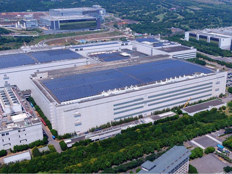 友達獲選「全球燈塔工廠」智慧製造、永續經營、人才培育三大面向 展現第四次工業革命(4IR)成果。(友達提供)