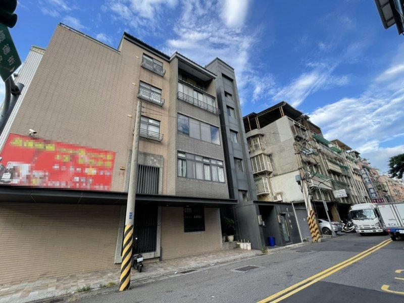 華麗轉身變華廈 老公寓加設電梯身價大逆轉。(廠商提供)